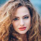 چند راه حل برای بهبود موهای وز و خشک