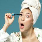 ۸ اشتباه رایج در هنگام ریمل زدن مژه ها